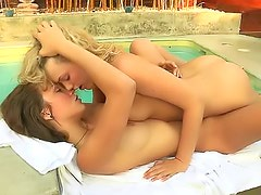Hotties make out sensually poolside