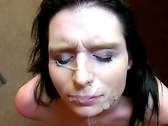 Amateur sex ends with big facial
