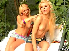 Blondes good at eating pussy
