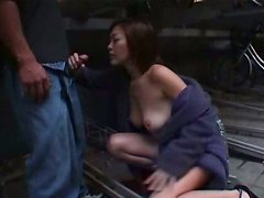 Exhibicionismo - Gorgeous Japanese slut Yukari Sakurada flashes her  nude body
