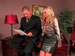 He eats out his secretary in the leather skirt