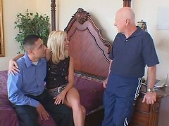 Awesome threesome with sexiliscious blonde bitch Totally Tabatha