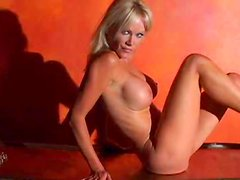 Barbara Moore shows us her truly stunning body