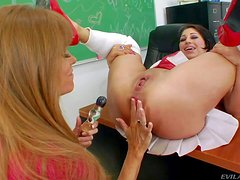 Sean Michaels simply enjoys in this sight: Darla Crane and