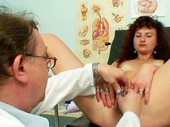 Horn-mad brunette whore Radoslava gets pleased by spoiled old doctor