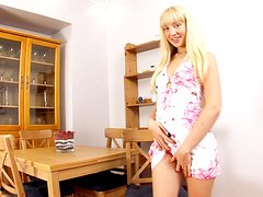 Luscious blond Kamilla fingers and toys herself