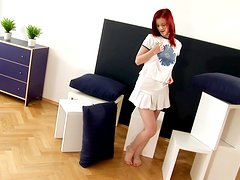Redhead cutie Faith gets a chance to play with her nice pussy