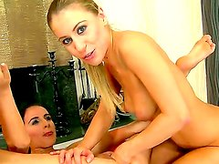 Crazy lesbian fuck with gorgeous girl
