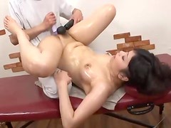 Japanese girl oil massage and toy sex