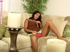 Brunette bombshell Mandy loves playing with her vag before going to bed