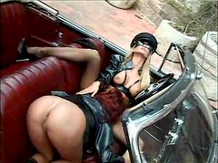 Girls do kinky lesbian sex outdoors with toys