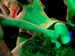 Rapacious chics give simultaneous blowjob to kinky rod in club