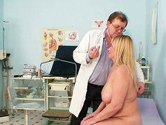 Bosomy blond granny Irma gets her bearded twat finger fucked