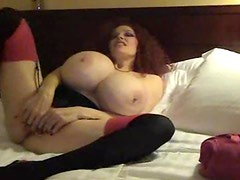 Super busty chick blows in a hotel room