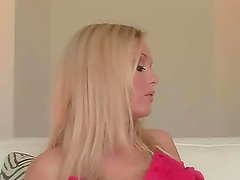 Nikki Ryan the pretty blonde shows her titties in close-up video