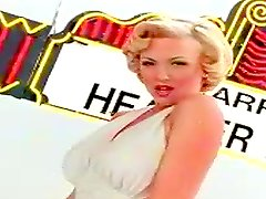 Pretty blonde Marilyn Forever shows her amazing natural beauty