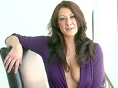 Coleta - A Hot Solo Scene With The Stunning Brunette Carrie Lynn