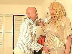 chubby blonde transsexual babe fucks a guy in the ass