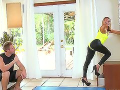 Sexy Allura Skye gets fucked reverse cowgirl on the sofa
