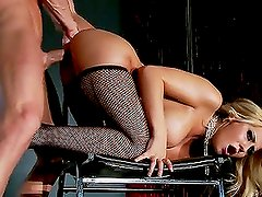 Banging the Hot Pole Dancer Madison Ivy in Red Light Burlesque