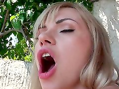 Lake View Fuck Of Hot Blonde in Hardcore Action With Cumshot