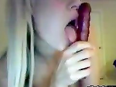Gorgeous Teen Goes Horny on Webcam