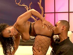 Curvy whore Cherokee D'ass gets poked mish rough on the couch