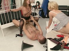 Mean curvy whore Isabella Clark gets railed doggystyle in threesome