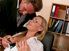 Curvaceous blonde mommy Tanya Tate gives deepthroat blowjob