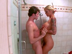 Brooke Banner gets her fucked in the shower.