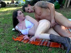 Dull country chick rides a dick on the green lawn