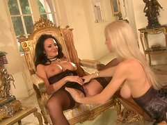 Alektra Blue and Sammie Rhodes have pussy eating session in the living room