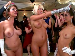 Sexy facesitters Jamie Valentine, Veronica Rodriguez and Rikki Six rock the party