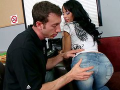 Sexy chick Mya Nichole wants to show her skills in the studio office