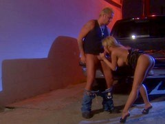 Drunken chick August sucks a cock right in the car