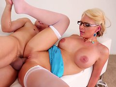 Busty pale milf Phoenix Marie gets her mature pussy poked from behind