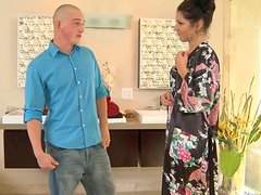 Bald dude gets a blowjob from Scarlet Banks in Jacuzzi