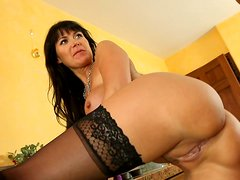 Cock sucker Eva Karera likes tasting hot cum in her mouth