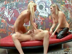 Diosas - Turned on long haired blonde goddess Harmony Rose with big