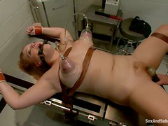 Fatty comes to her doctor for some painful pleasures