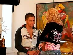 Curly Laura King gets pounded in great threesome video