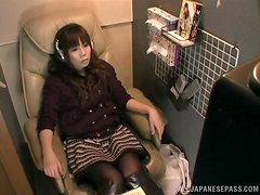 Asian stunner goes into the listening booth to masturbate