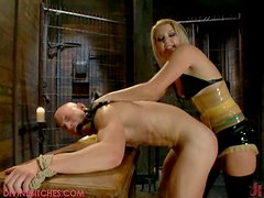 Time for revenge has come! Hot blonde punishes a wicked guy!