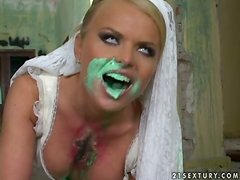 Blood-Hungry Bride Dora Venter Getting an Anal Destruction