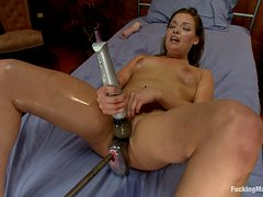 Real sex machine gives her the pleasure she needs