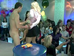 A Fun Party With Kinky Ladies And Strippers
