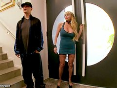 Passionate Taylor Wane gets pounded deep in her tight snatch