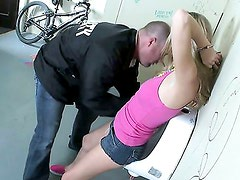 Security Loving Slut Nicole! / Nicole Ray