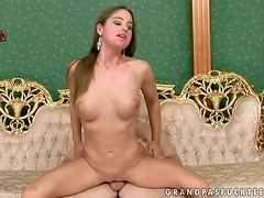 Chaty Heaven is a brown haired cute young chick withs