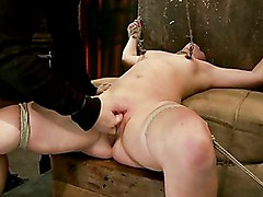 Flagelación - Brutal cunt flogging, nipple torment & finger fucking till she squirts w/multiple screaming orgasms!